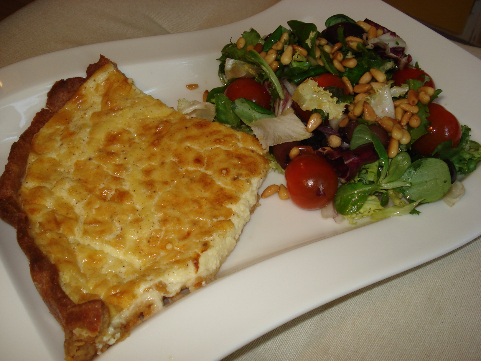 Cheese pie with Mediterranean salad
