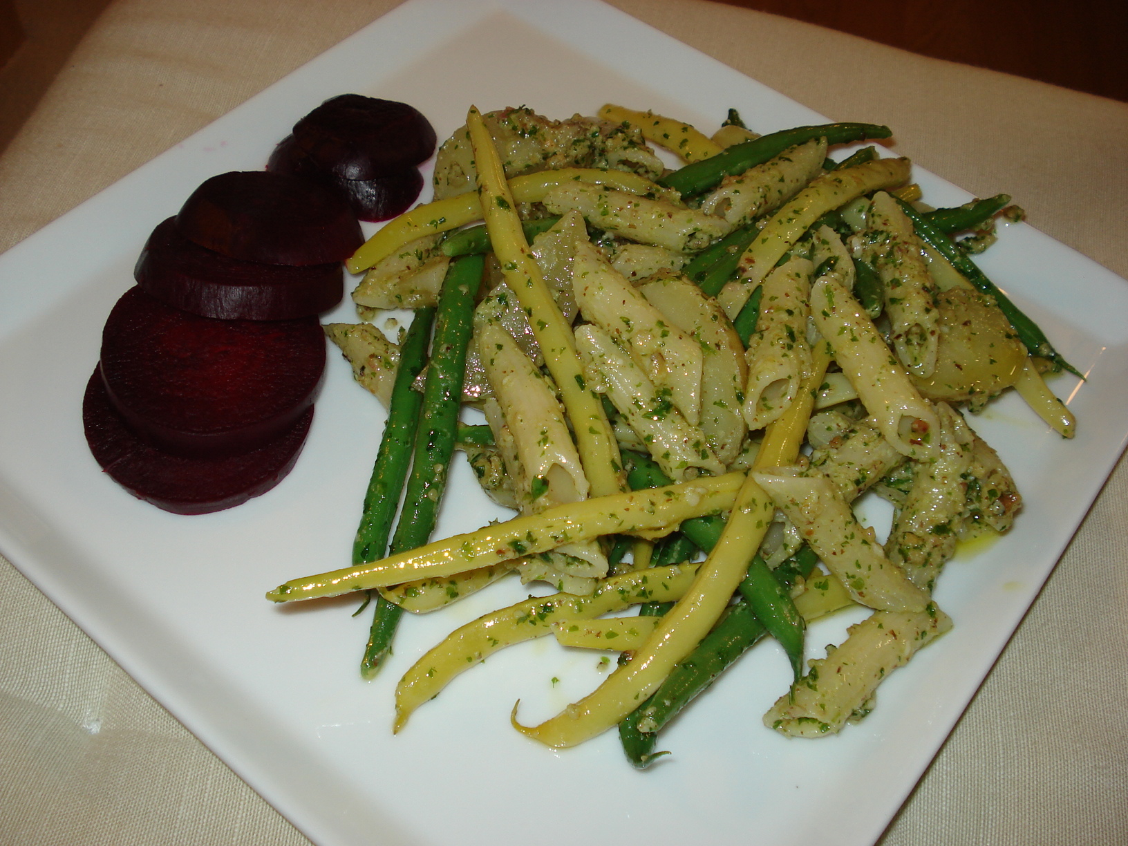 Walnut, parsley and goat cheese pesto with pasta, potatoes and green beans