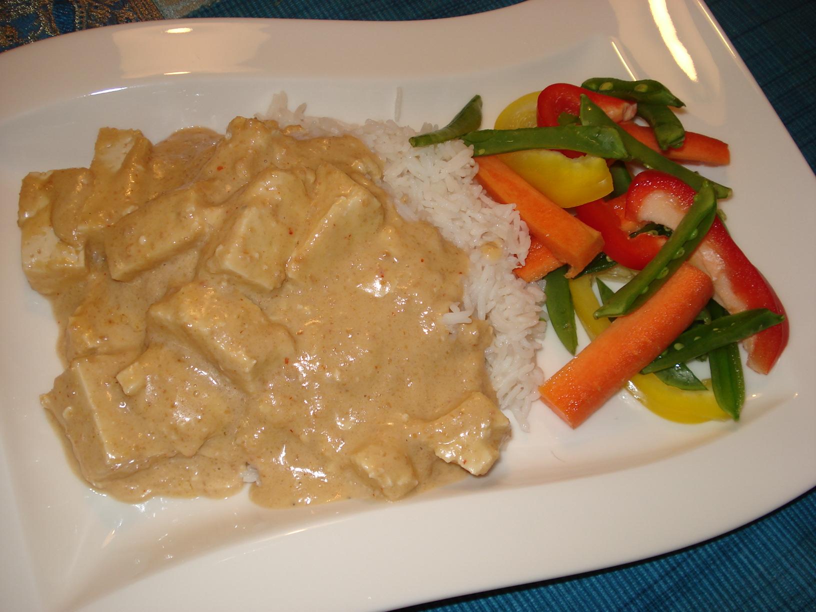 Tofu i jordnötssås