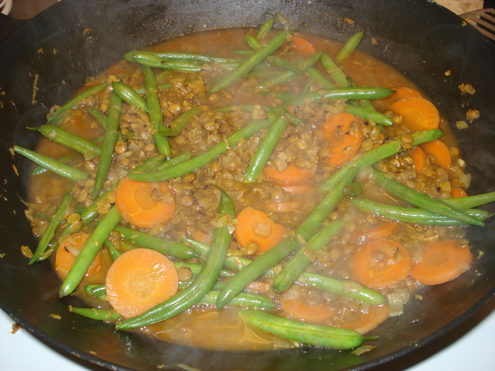 Indian lentil curry with green beans and carrots